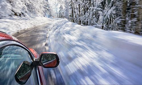 abs esp neige conseil pour conduire sur la neige pack jante pneu hiver. Black Bedroom Furniture Sets. Home Design Ideas
