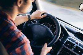 Certains dispositifs au volant sont soumis à réglementation