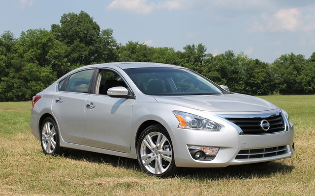 nissan Altima berline